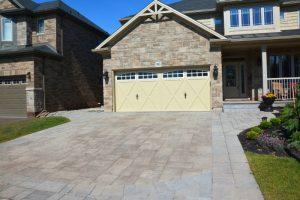 Interlocking Stone Driveway with Stone Borders