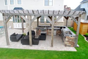 Outdoor Kitchen with Built-in Barbecue